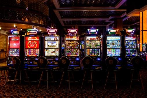 Игровые автоматы слот зал играть в игровые автоматы казино вулкан бесплатно онлайн
